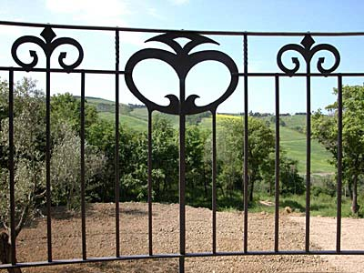 "railing ""giglio"" Volterra"